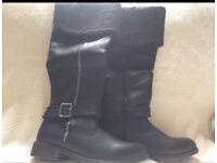 Black boots size 5 BNIB