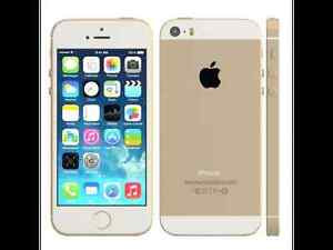 Mint Condition Bell Gold iPhone 5s with 2 OtterBox cases