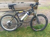 Giant Carbon frame electric mountain bike. 48v 1000w.