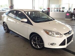 2013 Ford Focus SE - Only 56K! Heated Seats, Dual-Zone AC