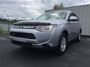 2014 Mitsubishi Outlander E/*** M.E.S. WAS $21950 NOW $19950.00