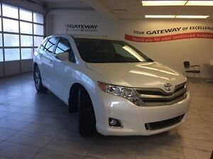 2016 Toyota Venza V6 4dr All-wheel Drive - Only 23K, Bluetooth,