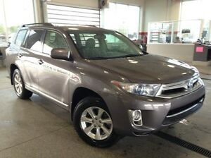 2013 Toyota Highlander Hybrid AWD - Only 92K! Backup Camera, Dua