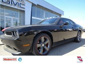 2013 Dodge Challenger SXT - Sunroof! Leather!