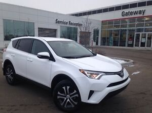 2016 Toyota Rav4 LE 4dr All-wheel Drive Standard Package