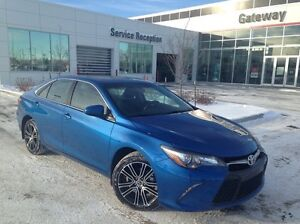 2016 Toyota Camry SE, Back Up Cam, Sunroof, Leather, Push Button