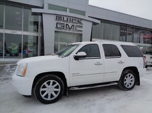 2010 GMC Yukon ACCIDENT FREE SINGLE OWNER LOCALLY OWNED AND SERV