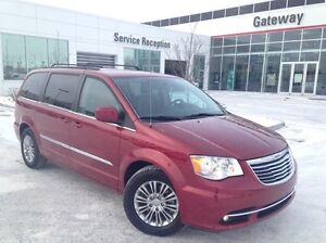 2015 Chrysler Town & Country Touring Heated Steering and Sea