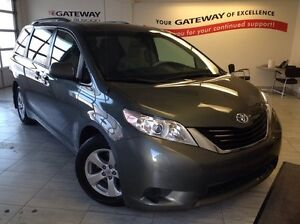 2014 Toyota Sienna LE 8 Pass. Backup Cam, Heated Seats