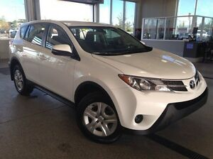 2015 Toyota Rav4 LE 4dr All-wheel Drive - Only 57k! A/C, Bluetoo