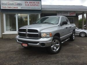 2005 Dodge Ram 1500 ST 4x4 Quad Cab 140.5 in. WB