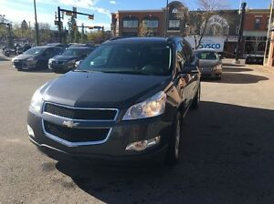 2009 Chevrolet Traverse LT All-wheel Drive Leather. Sunroof.