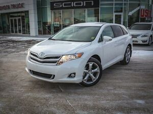 2016 Toyota Venza LE, V6, AWD, Leather, Heated Seats, Touch Scre Edmonton Edmonton Area image 2