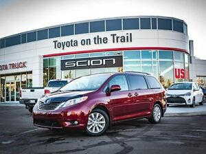 2014 Toyota Sienna XLE, AWD, Leather, Heated Seats, Sunroof, Bac