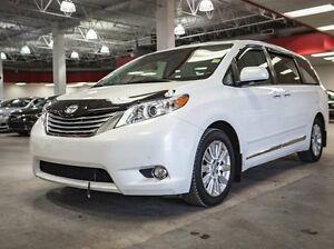 2011 Toyota Sienna Limited / XLE, AWD, Remote Starter, Navigatio