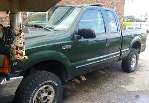 1999 Ford F-250 4x4 - PARTS TRUCK COMPLETE, MAKE OFFER!