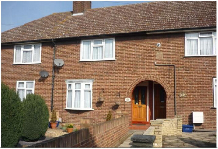 2 Bedroom House to Let in Gale Street,Dagenham RM9 4TP ===PART DSS WELCOME===