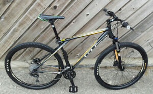 "29"" MOUNTAIN BIKE """"GT"""" ROCK SHOX,HYDRAULIC BRAKES,MINT"