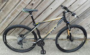 "29"" MOUNTAIN BIKE """"GT"""" ROCK SHOX,HYDRAULIC BRAKES,A MINT BIKE"