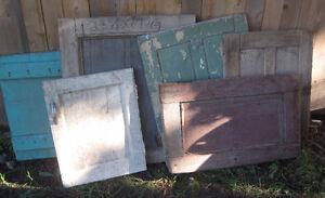 Plusieurs Fenetres et Portes en bois ! Antiquités Brocante