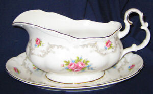Royal Albert - Tranquillity - Gravy Boat and Tray
