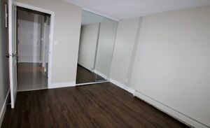 2 BEDROOM /PET-FRIENDLY/BEST LOCATION North Shore Greater Vancouver Area image 4