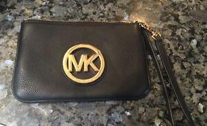Michael Kors Authentic Leather Clutch Purses Oakville / Halton Region Toronto (GTA) image 2
