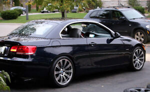 2007 BMW 335i Hard-Top Convertible - Mint Condition Only 110kms