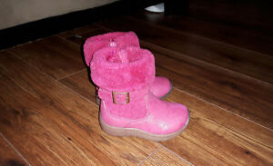 Size 5 Toddler Oshkosh Pink Winter Boots $15 Firm.