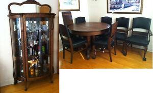 Ensemble antique en chêne maillé cuisine/salle à manger + curio
