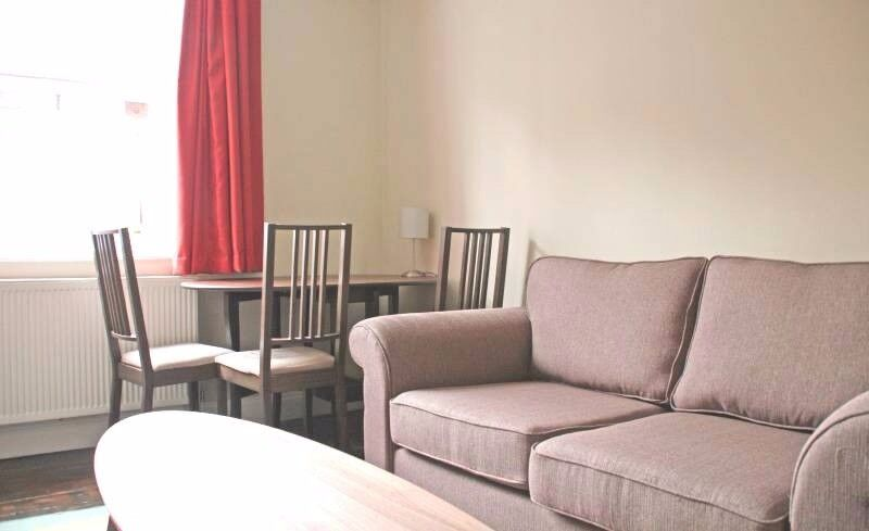 2bed apartment next to Stepney Green Park!