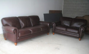 "95% NEW NATUZZI ""BUFFALO"" LEATHER SOFA SET, CAN DELIVER"