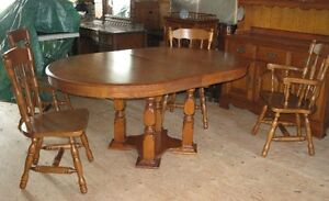Kroehler Solid Maple Dining table set with Hutch and Buffet Belleville Belleville Area image 2