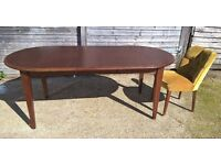 *FREE LOCAL DELIVERY* Dark Wood Extending Dining Table Seats 6-10 in Very Good Condition