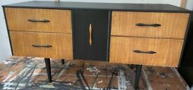 Sakol mid century dresser/sideboard