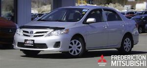 2013 Toyota Corolla CE! AUTO! HEATED SEATS! SUNROOF!