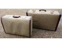 2 Vintage Suitcases 2 Vintage style suitcases