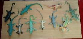 10 squeezy lizard , 31 x plastic and 10 x wooden snake
