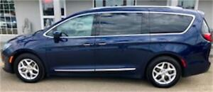 2017 Chrysler Pacifica Touring-L Plus 8 Passenger