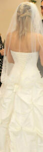 Beatiful white Alfred Angelo Wedding dress whit petticoat/unders