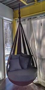 Superbe chaise suspendue