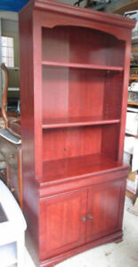 Moving-Shelving or entertainment unit with 2 shelves and 2 doors