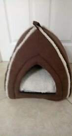 IGLOO CAT BED HUT & Tunnel toy