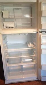 WHITE Maytag 19 cu ft top freezer