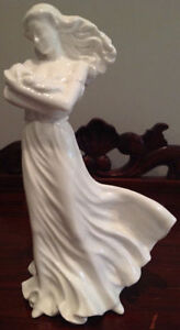 Limited Edition Royal Doulton Figurine - A LOVE SO TENDER HN4016