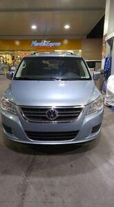 2009 Volkswagen Routan Familiale