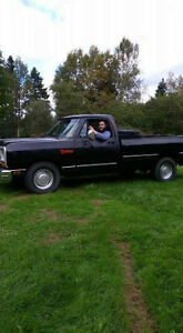 1987 dodge ram 318 solid truck serious buyers only tanks!!! :)