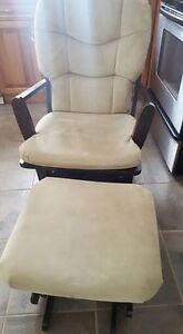 Dutailier glider maternity rocking chair and ottoman