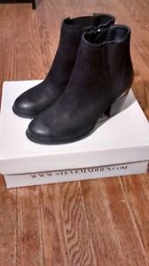 *Brand New* STEVE MADDEN boots (REDUCED PRICE)