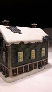 Hand crafted Christmas village collectible house for sale. Kitchener / Waterloo Kitchener Area image 4